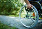 fauteuil roulant pour sénior