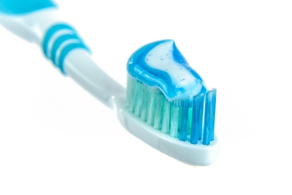 comment se brosser les dents avec une brosse à dents électrique