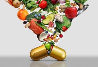 Un comprimé et des aliments